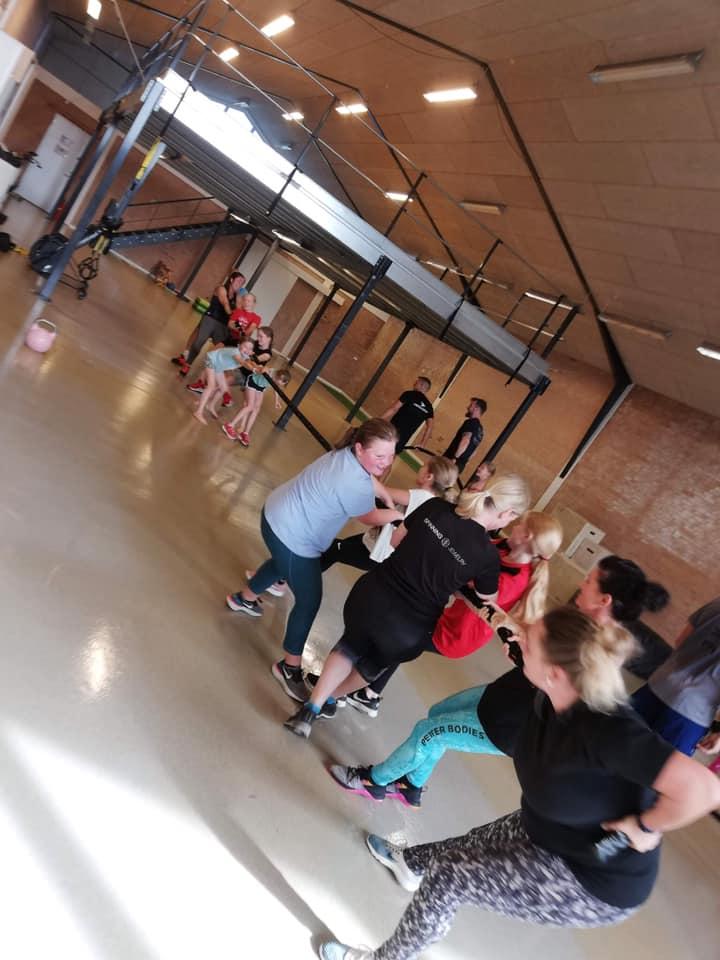 Familie træning i CrossBox Hadsten