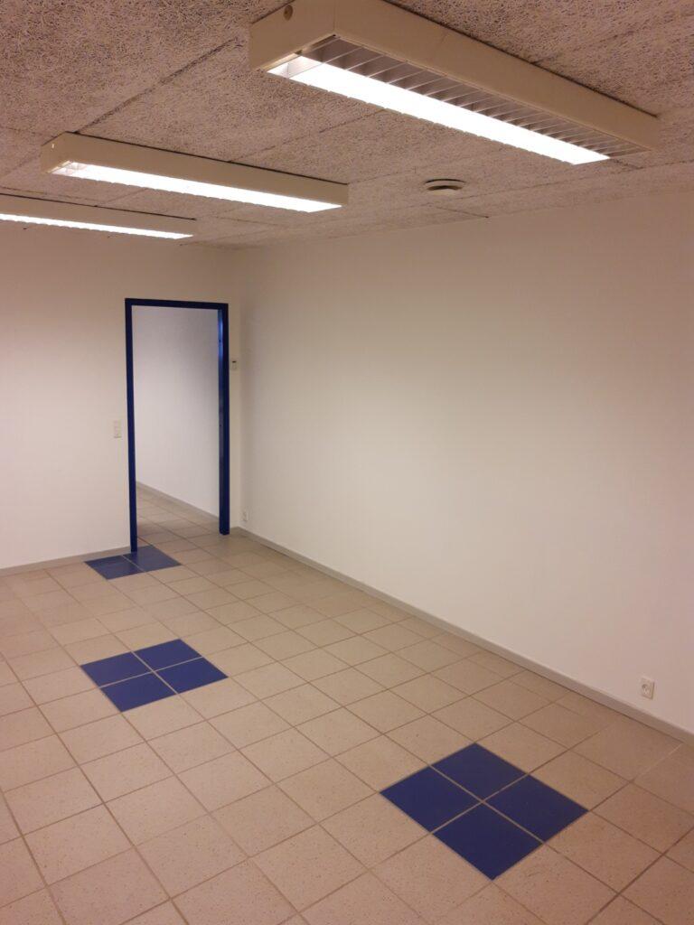 Erhvervslokale i Hadsten til udlejning - Lager / klinik / behandlerrum 1